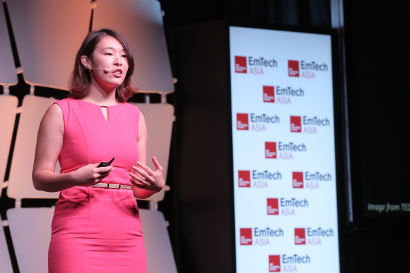Prof Angela Wu delivered an elevator pitch at EmTech Asia which was held in February 2017 in Singapore.