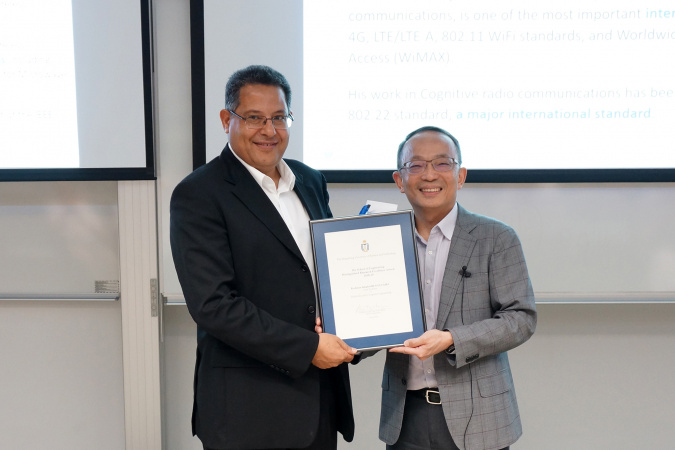 Prof. Khaled BEN LETAIEF, the New Bright Professor of Engineering and Chair Professor of Electronic and Computer Engineering at HKUST, was presented the Distinguished Research Excellence Award, the most prestigious accolade, by Prof. Tim CHENG Kwang-Ting, HKUST Dean of Engineering.