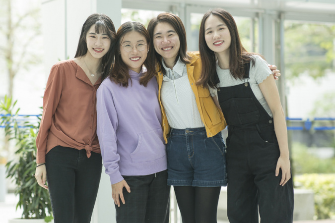 Wei Lili and her new female lab mates, Cao Jialun (first left), Quan Yuqing (second left) and Liu Lu (first right).