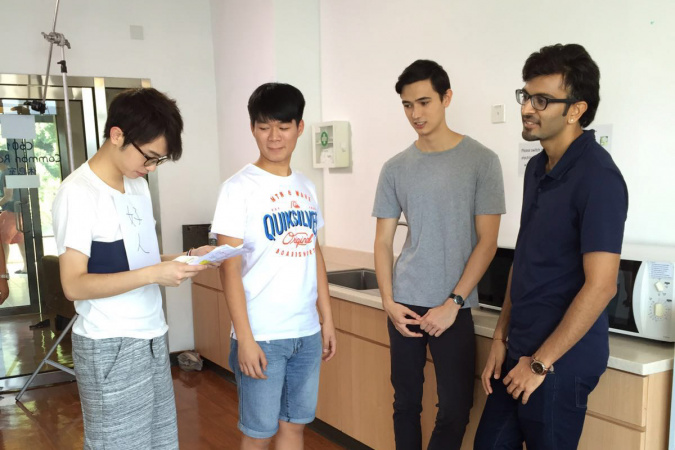 To overcome his fear of speaking in English, David (second left) proactively took part in the production of a School of Engineering microfilm with some non-local students.