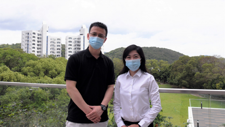 As a senior who has completed PhD studies at HKUST, Dr. Yin Ran (left) enthusiastically shares with Sheena (Year 3, PhD(CBME)) his experience and advice to excel as a postgraduate student.