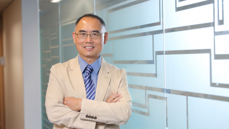 Prof. Yang Qiang was elected a Fellow of the Canadian Academy of Engineering for his significant  contributions in the engineering practice of large-scale artificial-intelligence and data-mining solutions.