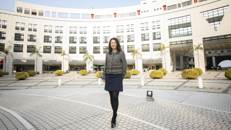 HKUST Chemical and Biological Engineering alumna Eva Tsang shares her experiences and management philosophy on working in the Greater Bay Area where she has made her mark on the cosmetics industry.